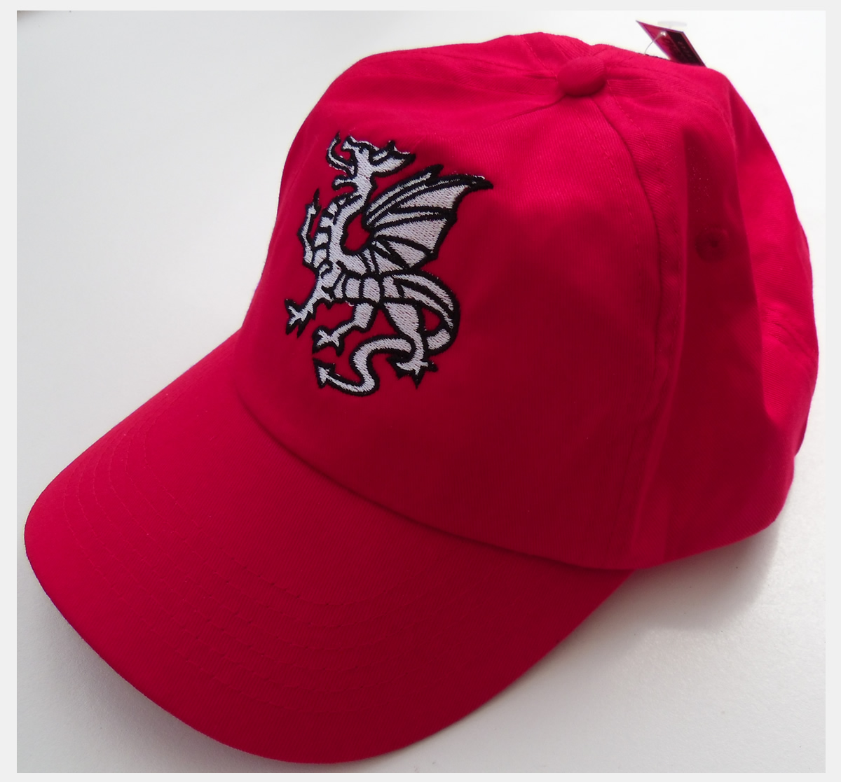 Saxon Wwhie dragon baseball cap - £11 99 : The England Store