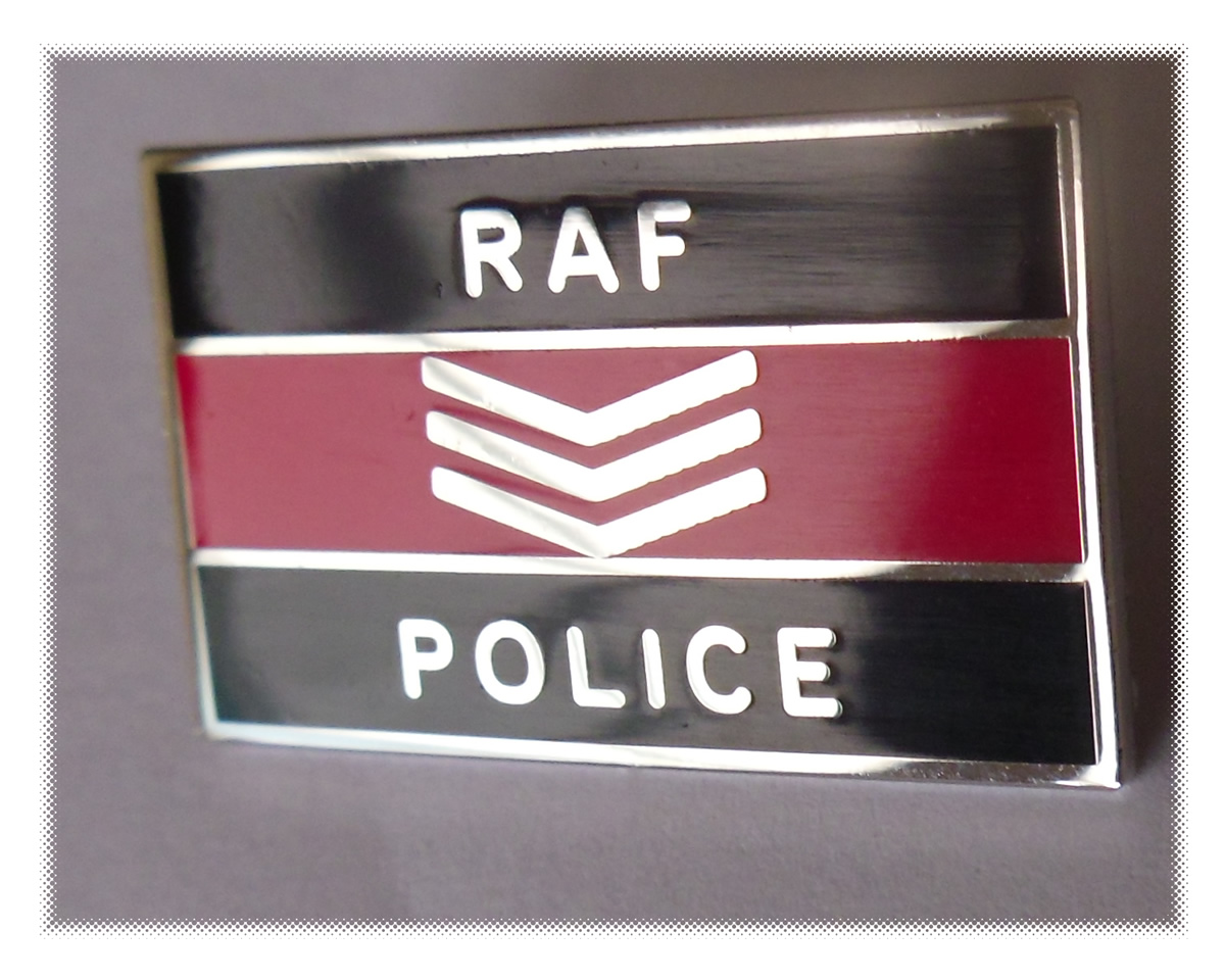 Royal Air Force Police Sgt Pin badge - Click Image to Close