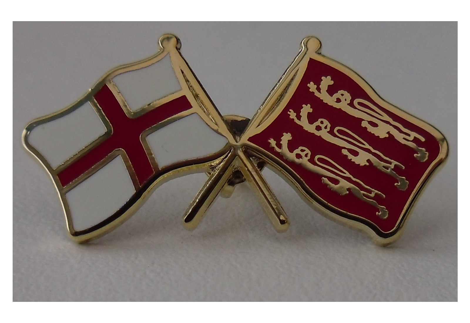 Cross of St George crossed with Three lions flag pin badge